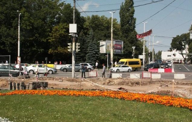 Движение по пл. Василевского