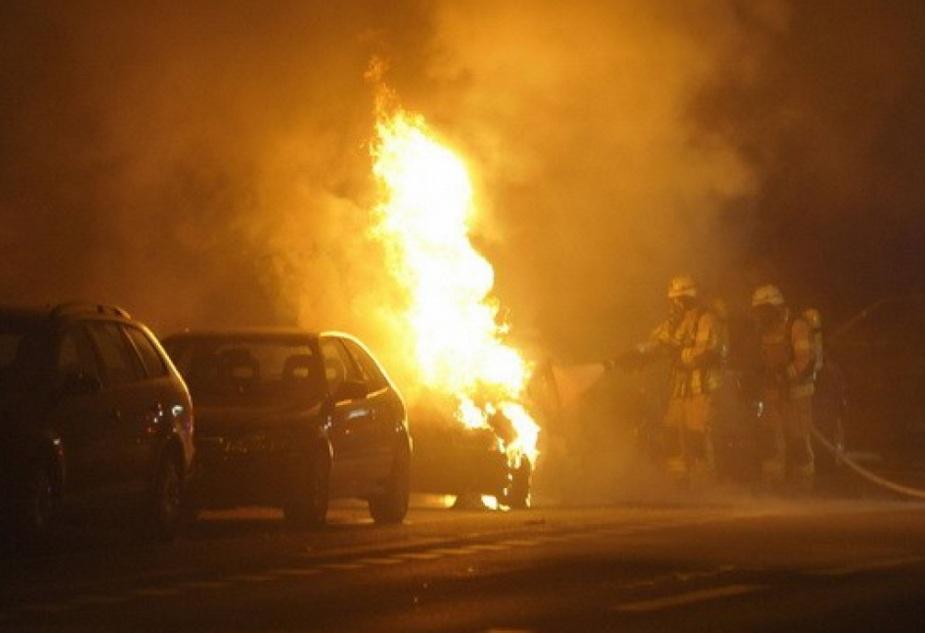 полиция поймала поджигателя машин